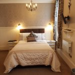 Room 3 Deluxe Double /Twin en-suite with Double and single beds