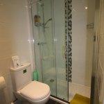 bathroom 5 en-suite shower