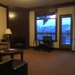 Photo de Four Seasons Resort and Residences Whistler