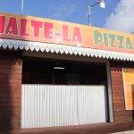 Devanture de Halte-là Pizza