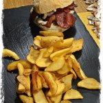 Panino con hamburger di angus & patate