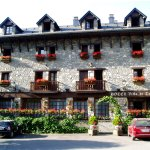 Photo of Hotel Villa de Torla