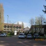 le site hôtelier et le parking