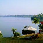 Kalla Bongo Lake Resort Bild