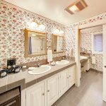 Private Cottage with 1 1/2 baths