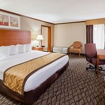 Foto de Baymont Inn & Suites Auburn Hills