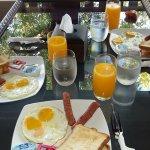 First Breakfast keke