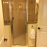 1 bedroom unit (separate shower)