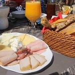 Breakfast (many choices)
