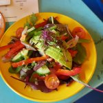 Mixed leaf salad With avocado, tomatoes and grated sweet potato