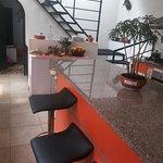 Zona de cocina, interiores del hostal.