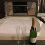 Complimentary champagne, jacuzzi and fireplace