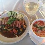 Foto de Hong Far Garden Restaurant & Take Away