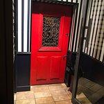 Photo de Little Red Door