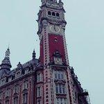 Très belle architecture qui s'adapte parfaitement au style lillois de la grand place ! C'est un