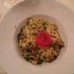 gluten- und laktosefreie Spaghetti mit Pfifferlingen und Gemüse