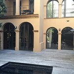Patio interior del hotel