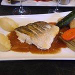 Filet de sandre sauce foie gras et ses légumes.