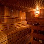 Nehmen Sie ein entspannendes Schwitzbad in unserer Finnischen Sauna ...