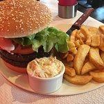 Nice burgers and welcome staff