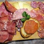 Palette iberique de charcuteries et fromage manchego avec pan con tomate