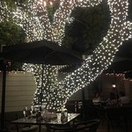 Outdoor dining... enchanting!