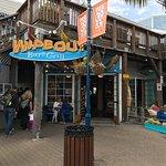 Photo de Wipeout Bar & Grill