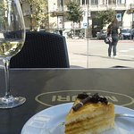 Nice chilled wine and a slice of cake!