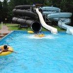 El parque acuático y sus toboganes