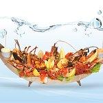 Barca de Mariscos ao Kilo / Boat of Assortement of Shellfish Per Kilo