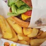 Φωτογραφία: 212 Hamburger & Delicious
