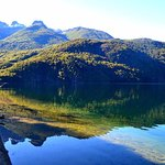 espejo en el lago steffen