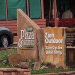 Zion Pizza & Noodle Co - sign