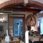 Interno del ristorante enoteca Ulisse di Seravezza