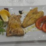 Fotografia del secondo piatto, pesce discreto, non di eccellente qualità
