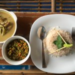 Fish curry with mango, vegetables and brown rice