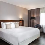 Our deluxe king guest rooms are perfect for a comfortable and efficient stay in the Netherlands.