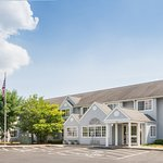 Изображение Microtel Inn & Suites by Wyndham Seneca Falls