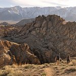 Hiking the longer version of the Mobius Arch trail, Alabama Hills