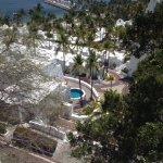 Hugo showed us a highend resort where people had their own pool.