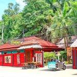Photo de Baan Ton Rak Boutique Resort