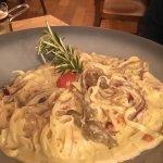 hausgemachte Linguini mit Pulled Beef, 11,80€ (riesige Portion!)