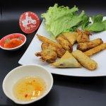 En goûtant nos fritures faites maison, un goût du Viet authentique !