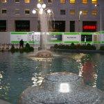 Foto de Fontana di Piazza San Babila