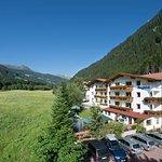 Hotel Bergblick*** im Sommer