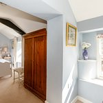 Classic Yore Double Bedroom with Separate Private Shower room