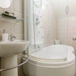 Masham Double en-suite Bathroom