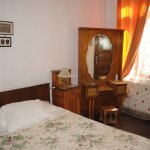 Double room with private bathroom 30Euro/night