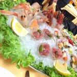 Raw fish combo appetizer