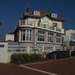 L'hôtel vu depuis la promenade du front de mer